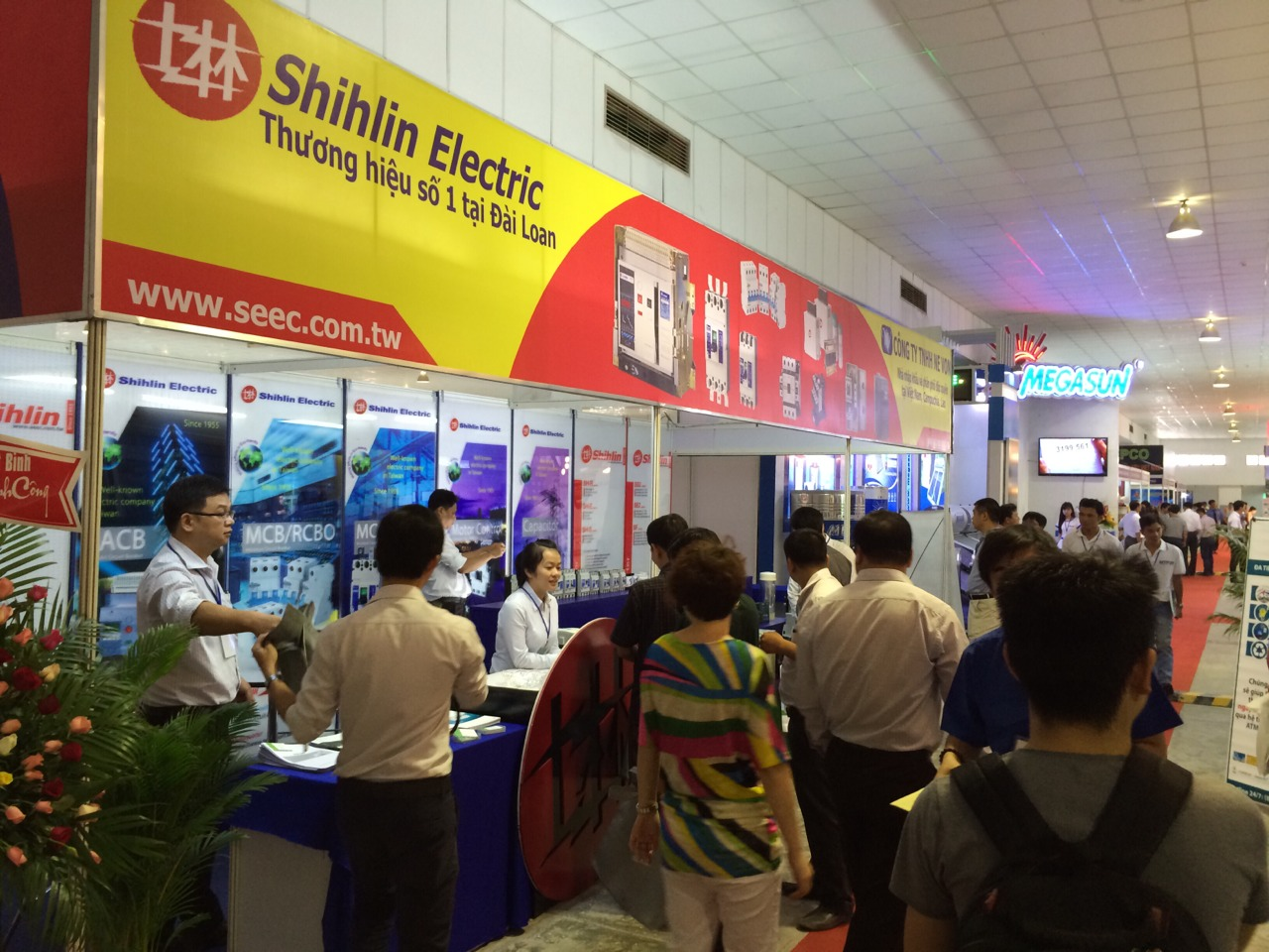 Stand Shihlin Electric di The 7th International Exhibition on Electrical Technology & Equipment- Vietnam ETE 2014